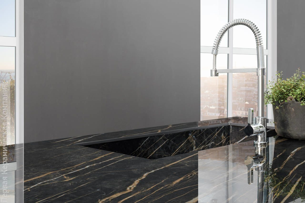 Laminam_Cava_Noir-Desir-Lucidato_1620x3240x12mm_Kitchen-top1